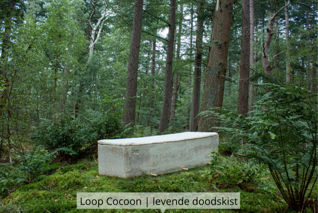 Natuurlijk Afscheid uitvaartbegeleider natuurbegraven Loop Cocoon